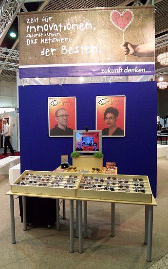 lichtbaendiger_Stand_brille_und_co_09