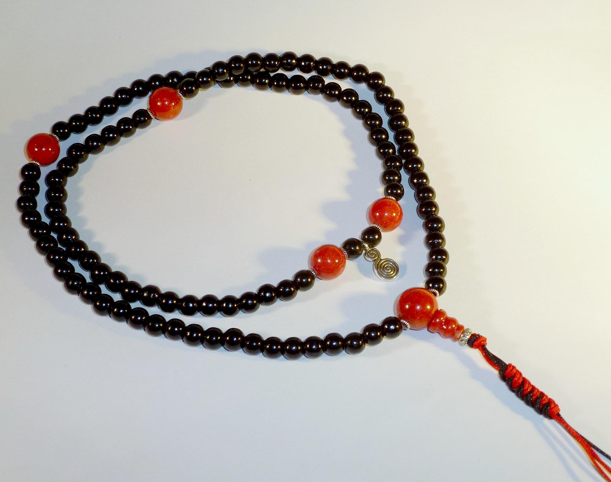 Mala-schwarz-rot-lang_ji
